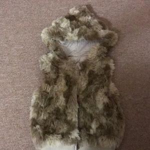 Girls furry vest